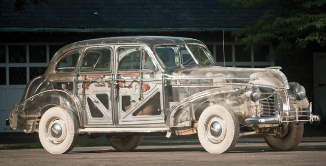 1939-pontiac-plexiglas-deluxe-six-ghost-car-01