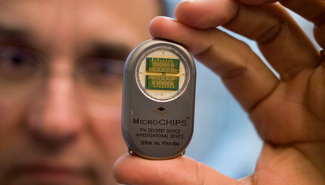 Wireless-Drug-Delivery-Chip-00