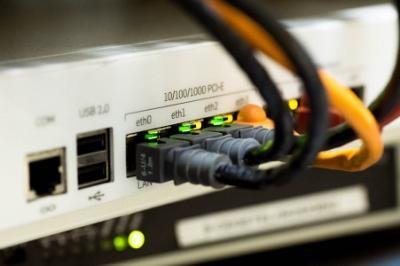 network-cable-ethernet-computer-159304.jpg