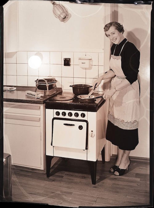 Gas-and-Electric-Stoves-1950s-3.jpeg