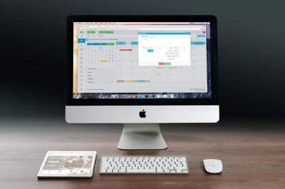 apple-imac-ipad-workplace-38568.jpg
